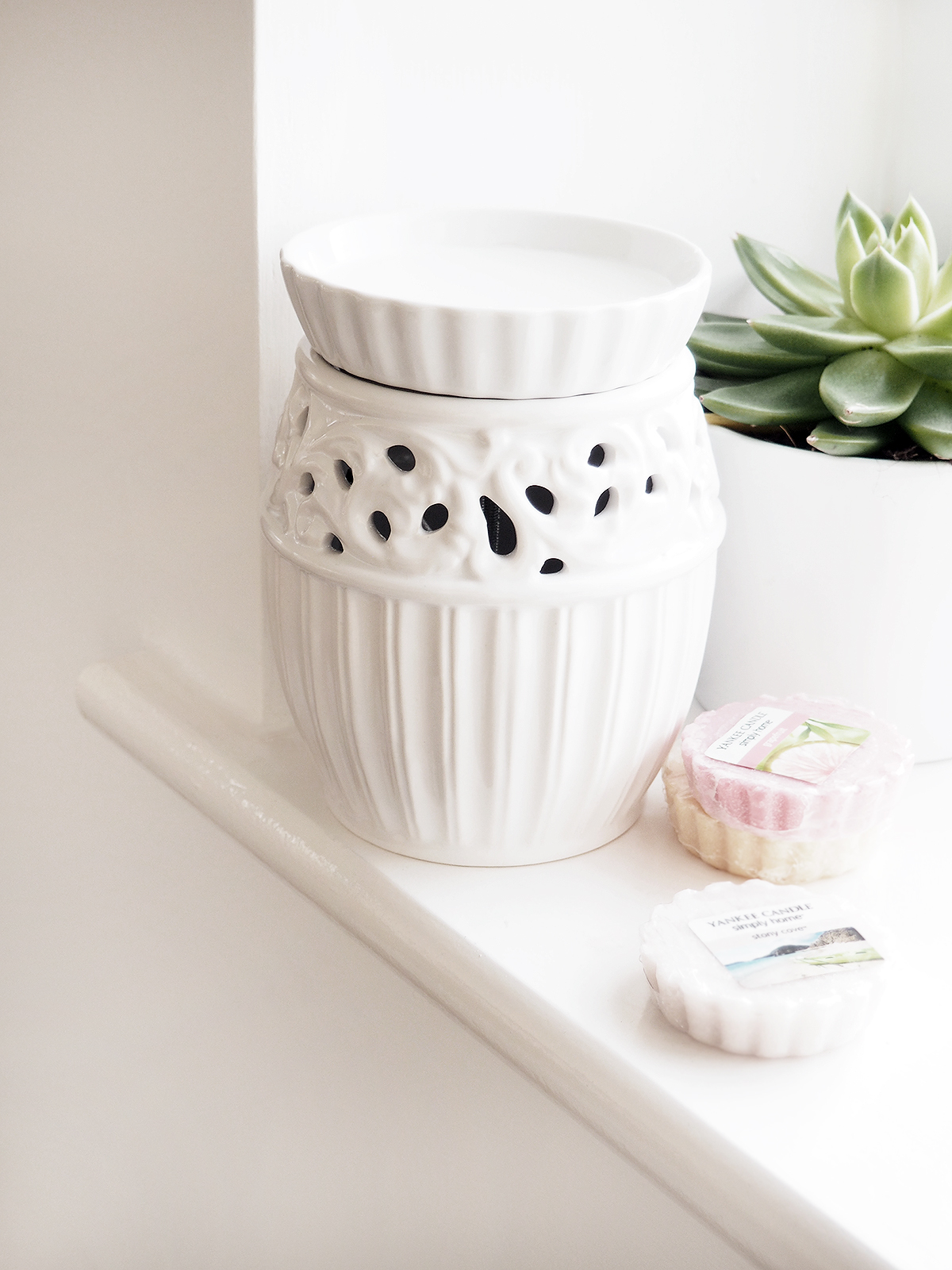 Home Scents Electric Wax Warmer ~ Yankee candle electric wax melts warmer at home with abby