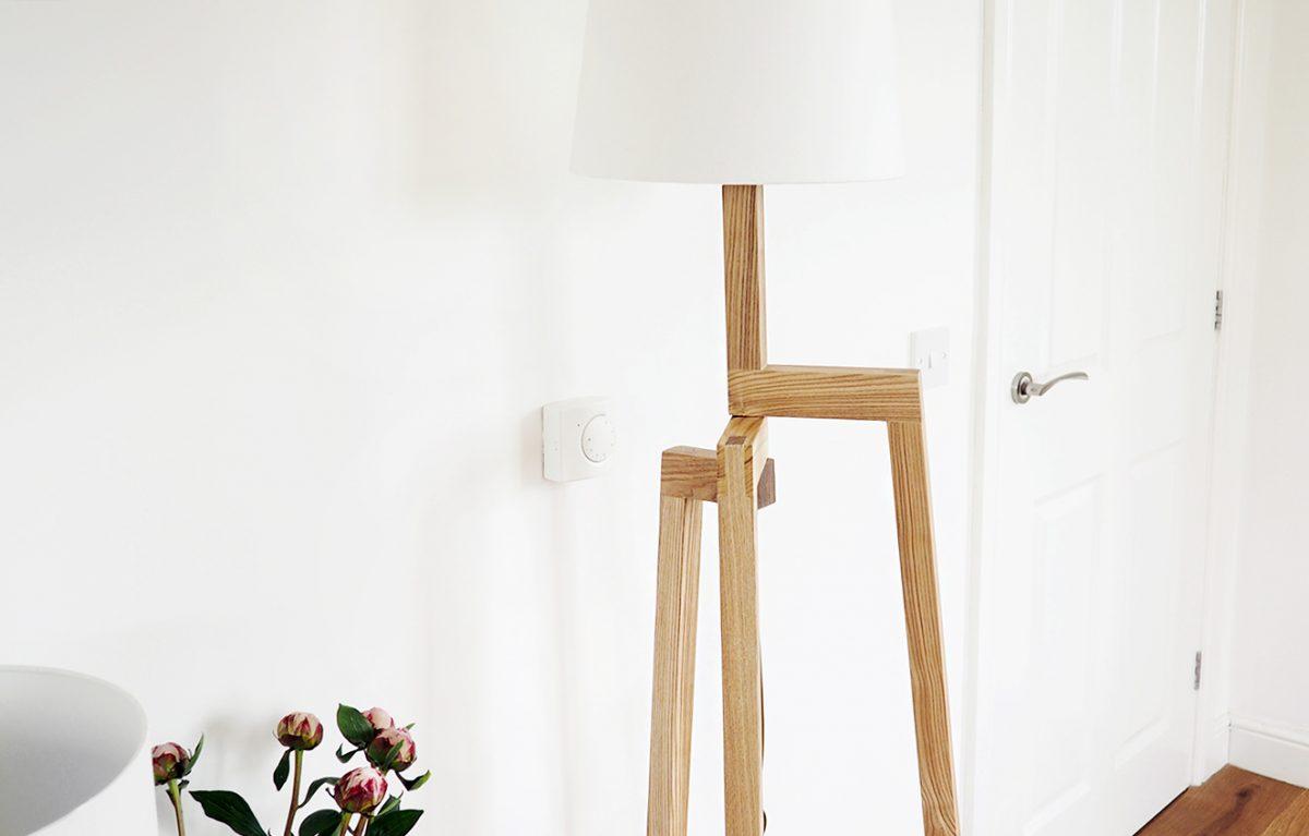 Iconic-Lights---Scandinavian-Wooden-Tripod-Floor-Lamp-Review